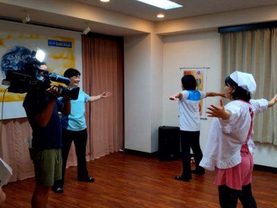 ひまわりケーブルテレビ「じもとみせ」に豊田スタジオの竹村チーフトレーナーと会員様が出演しました